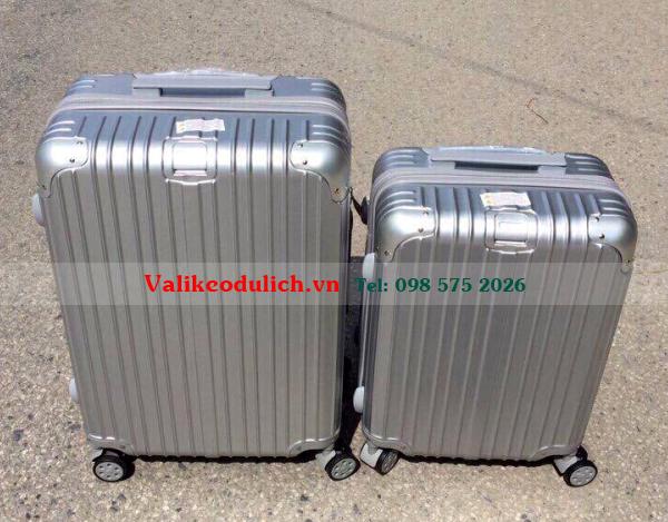 Vali-keo-nhua-deo-RD1610-mau-xam-bac-3