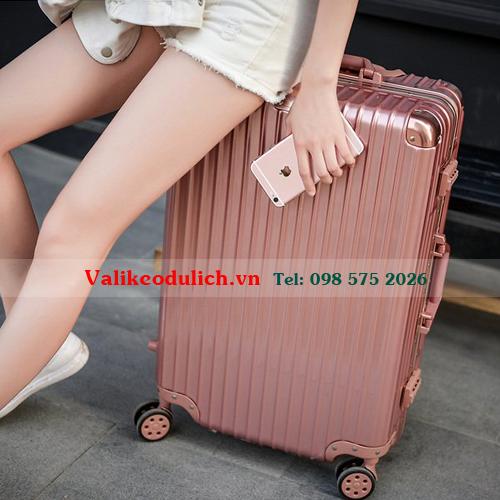 Vali-keo-nhua-khung-nhom-RS1610-11