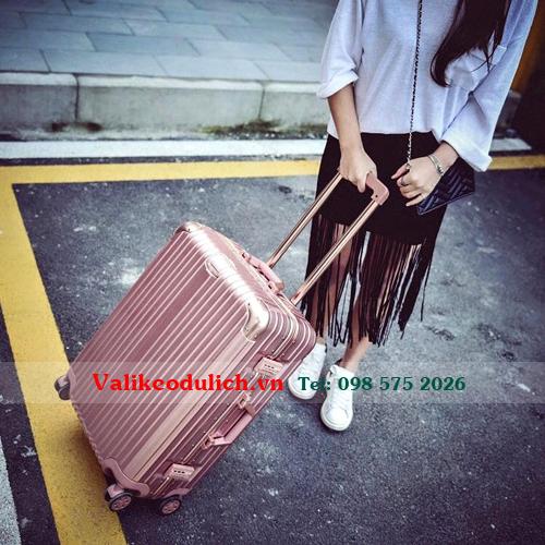 Vali-keo-nhua-khung-nhom-RS1610-13
